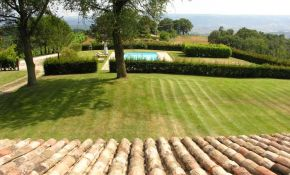 Photo of swimming pool and garden of property for sale near Rome